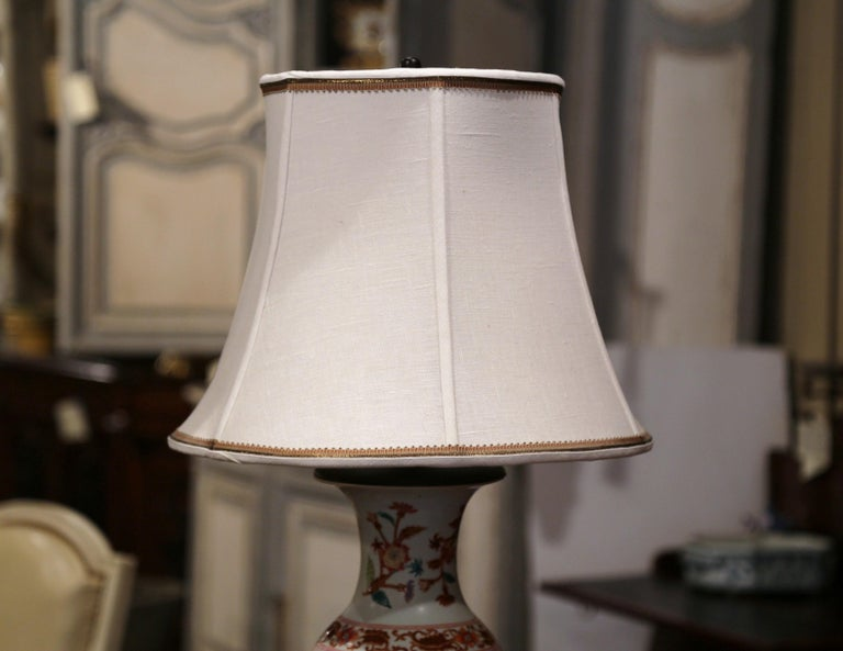 Mid-20th Century Chinese Porcelain Famille Rose Vase Converted into Table Lamp For Sale 1