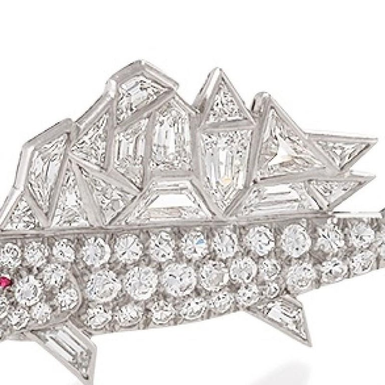 Mid-20th Century Diamond and Platinum Sailfish Brooch In Excellent Condition For Sale In New York, NY