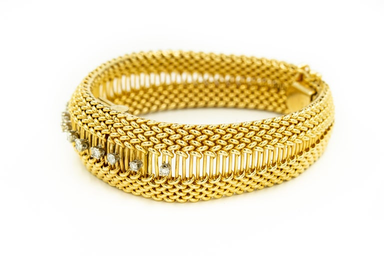 Mid-20th Century Diamond Covered Woven Yellow Gold Ladies Wristwatch Bracelet In Good Condition For Sale In Miami Beach, FL
