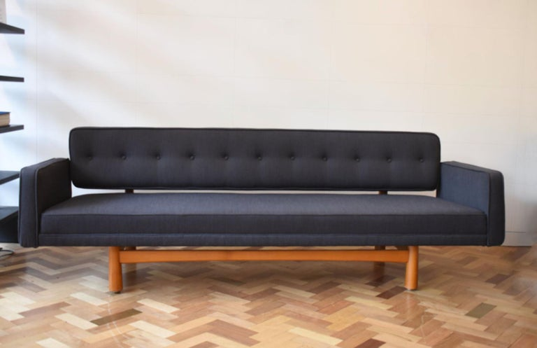 Mid 20th Century Edward Wormley New York Sofa In Good Condition For Sale In London, GB