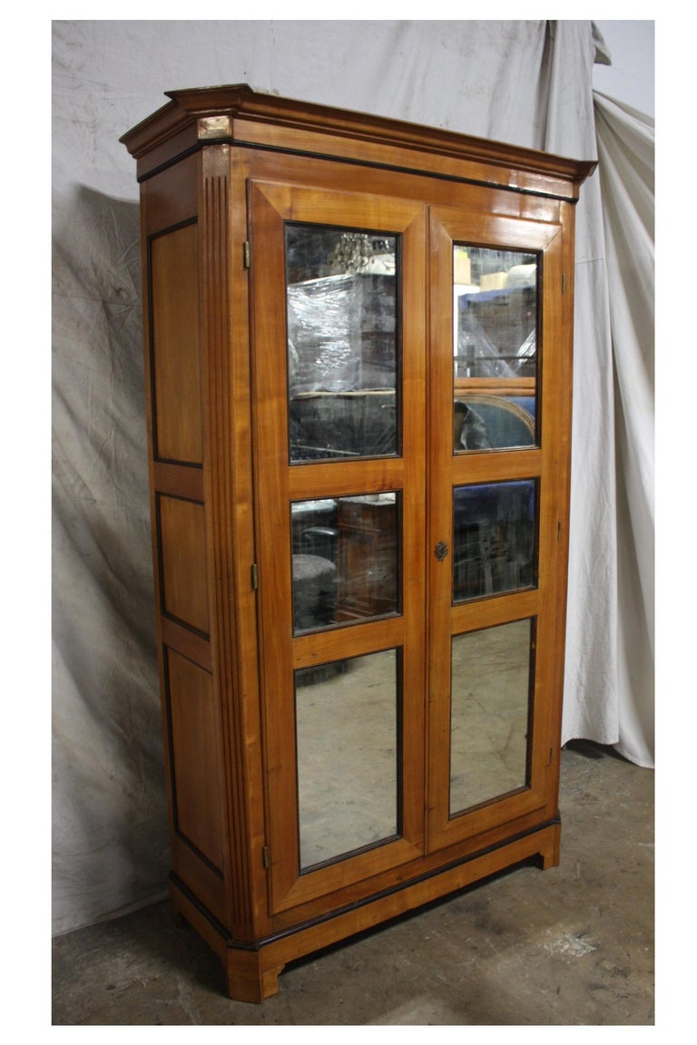 Mid-20th Century French Armoire For Sale 9