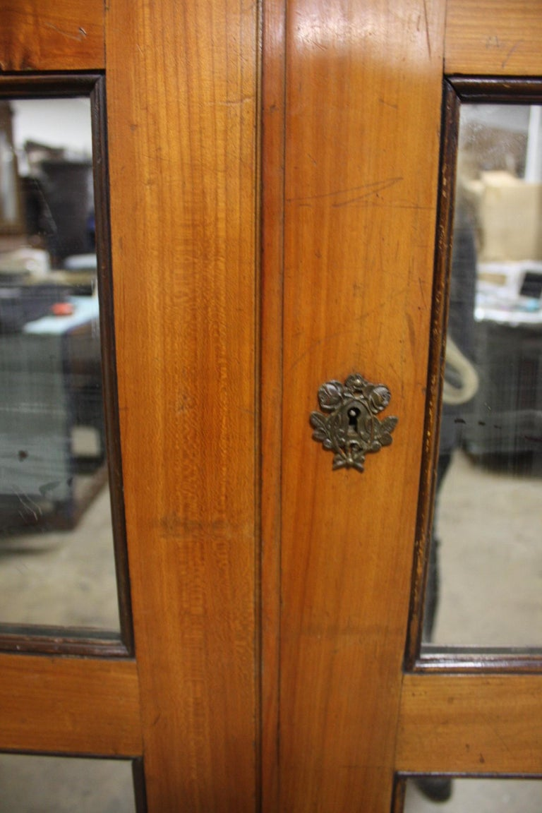 Mid-20th Century French Armoire In Good Condition For Sale In Atlanta, GA