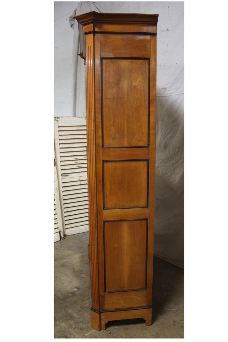 Mid-20th Century French Armoire For Sale 1