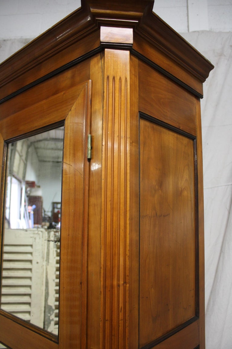 Mid-20th Century French Armoire For Sale 2