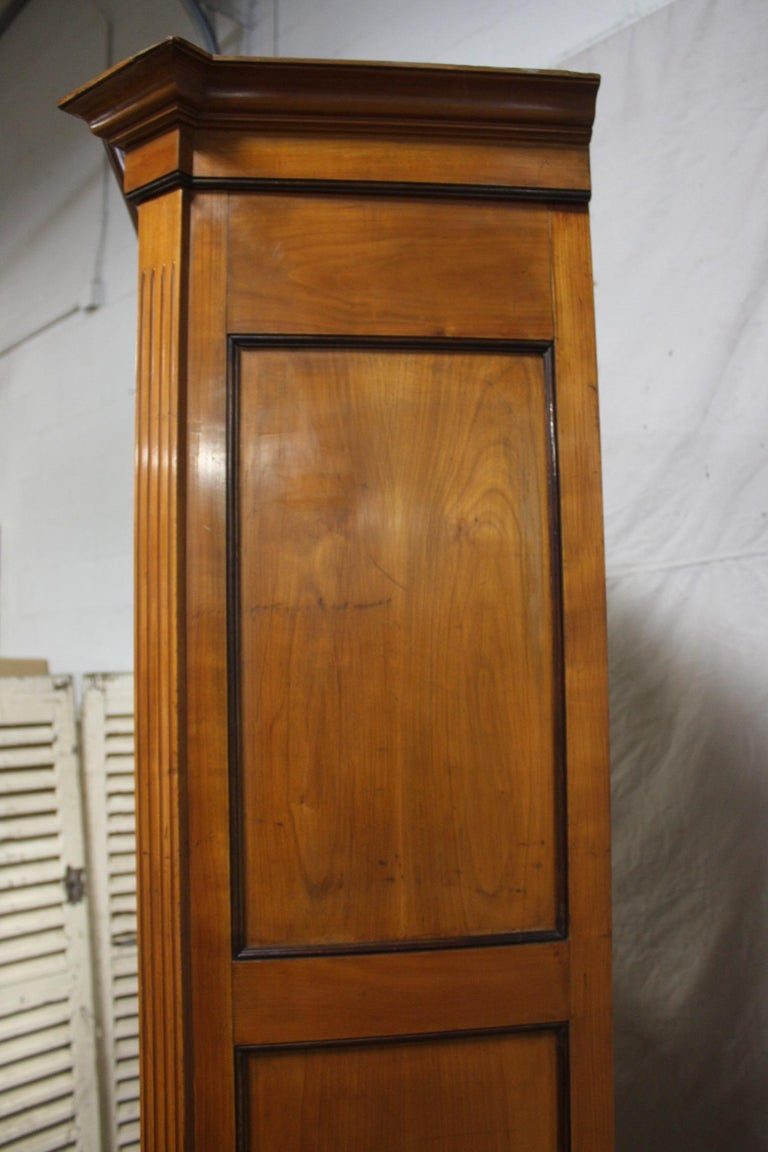 Mid-20th Century French Armoire For Sale 3