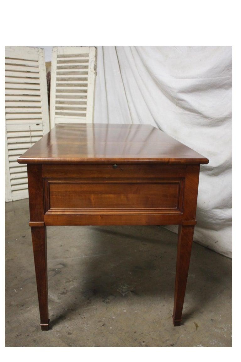 Mid 20th Century French Desk In Good Condition For Sale In Atlanta, GA