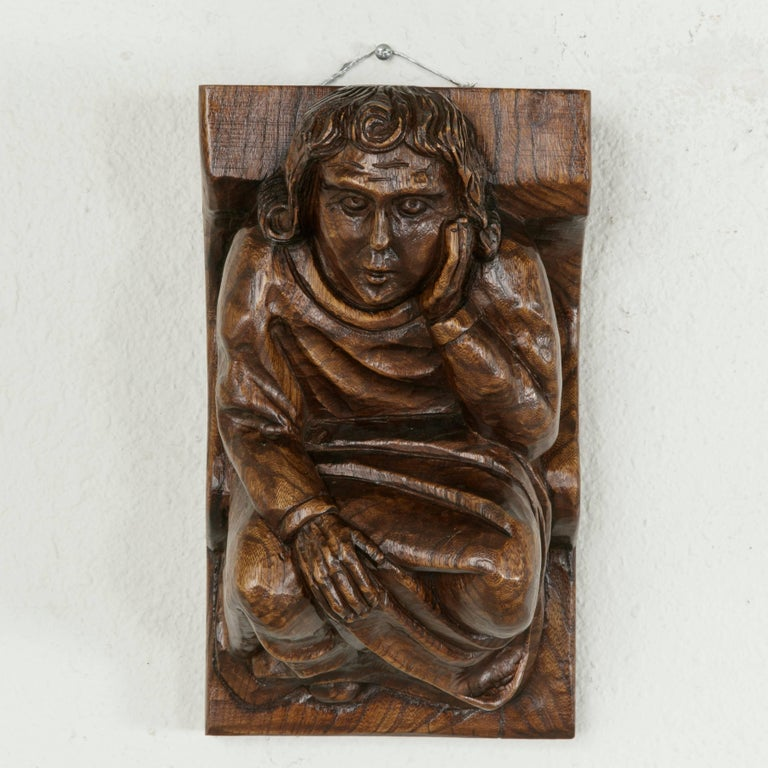 Mid-20th Century French Hand-Carved Elm Wall Sconce or Bracket with Medieval Man In Excellent Condition For Sale In Fayetteville, AR