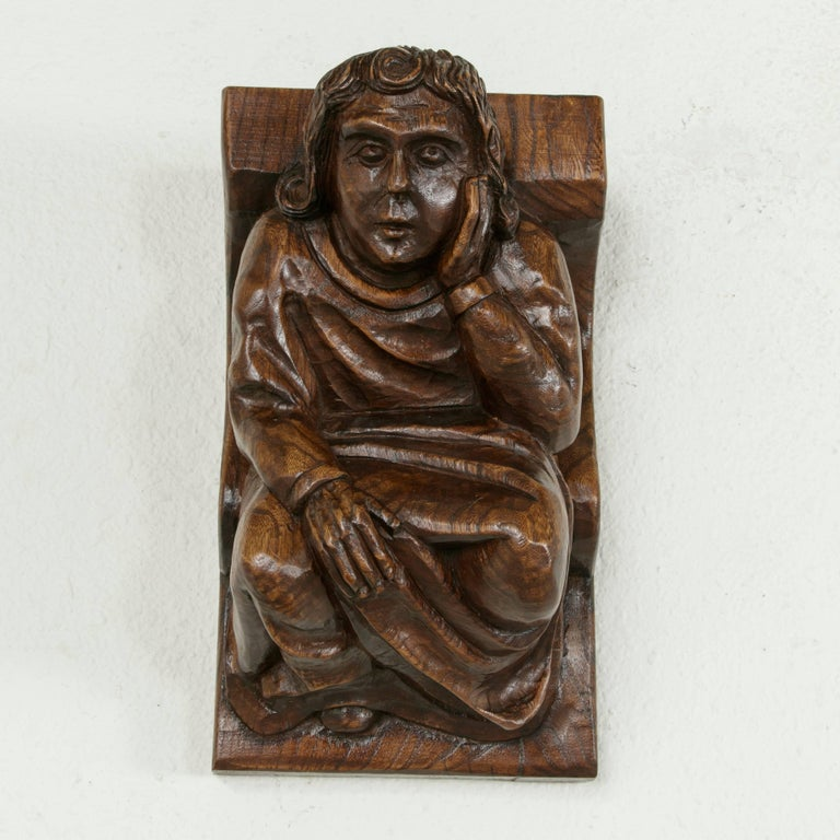 Mid-20th Century French Hand-Carved Elm Wall Sconce or Bracket with Medieval Man For Sale 1