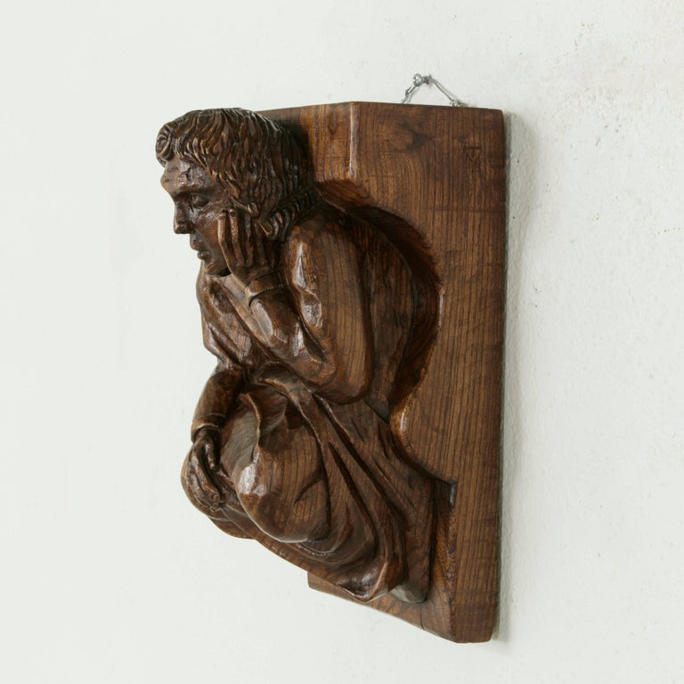 Mid-20th Century French Hand-Carved Elm Wall Sconce or Bracket with Medieval Man For Sale 2
