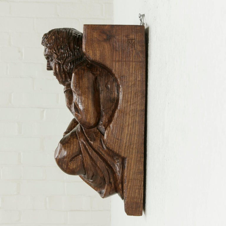 Mid-20th Century French Hand-Carved Elm Wall Sconce or Bracket with Medieval Man For Sale 3