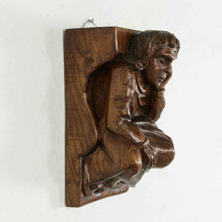Mid-20th Century French Hand-Carved Elm Wall Sconce or Bracket with Medieval Man For Sale 4