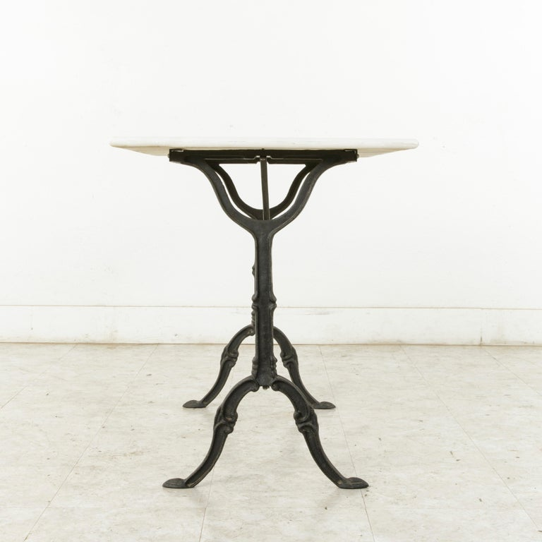 Mid-20th Century French Iron Bistro Table with White Marble Top For Sale 1