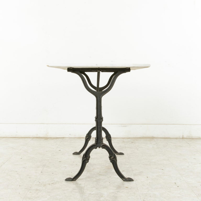 Mid-20th Century French Iron Bistro Table with White Marble Top For Sale 3