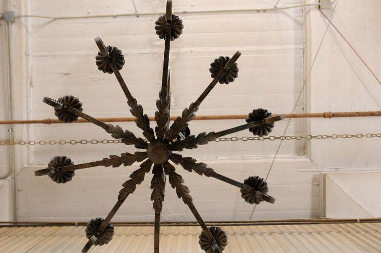 Mid-20th Century French Ten-Light Iron Chandelier For Sale 5