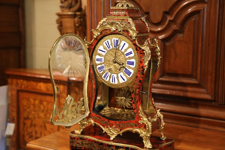 Hand-Carved Mid-20th Century French Tortoiseshell and Bronze Boulle Mantel Clock on Base For Sale