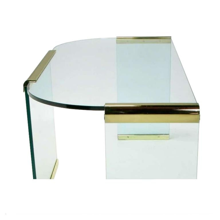 Mid-20th Century Glass and Brass Table by Design Institute America In Good Condition For Sale In Chicago, IL