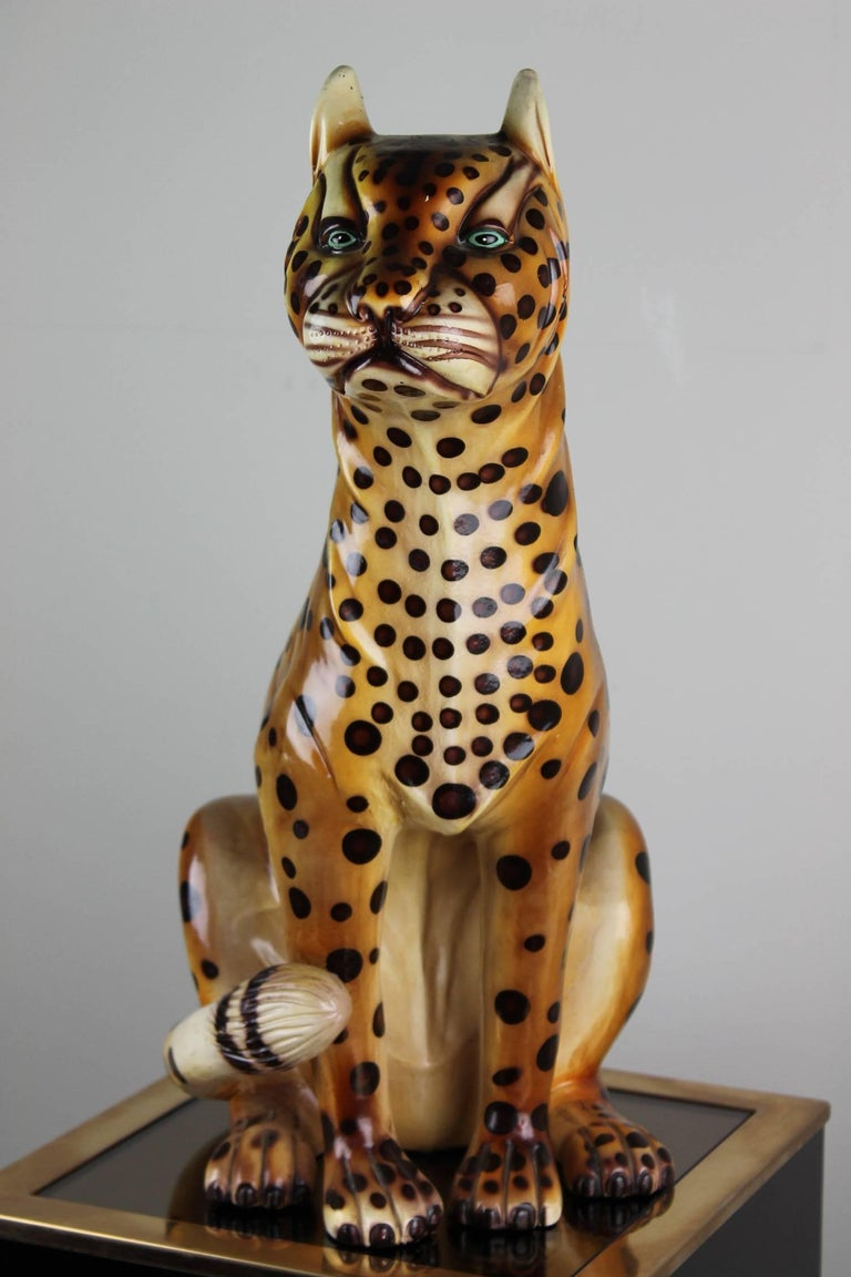 European Mid-20th Century Hand-Painted Cheetah Ceramic Sculpture For Sale