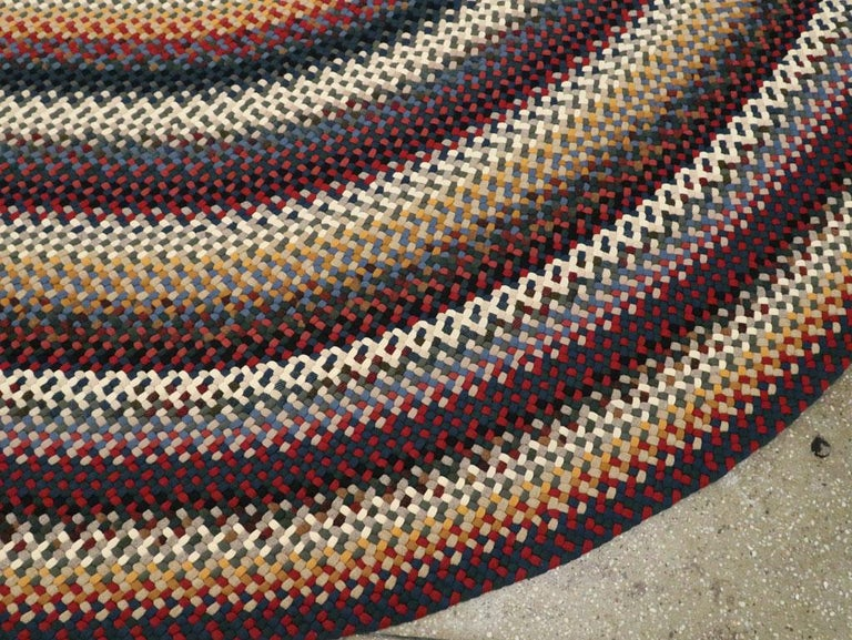 Mid-20th Century Handmade American Braided Large Oval Carpet For Sale 3