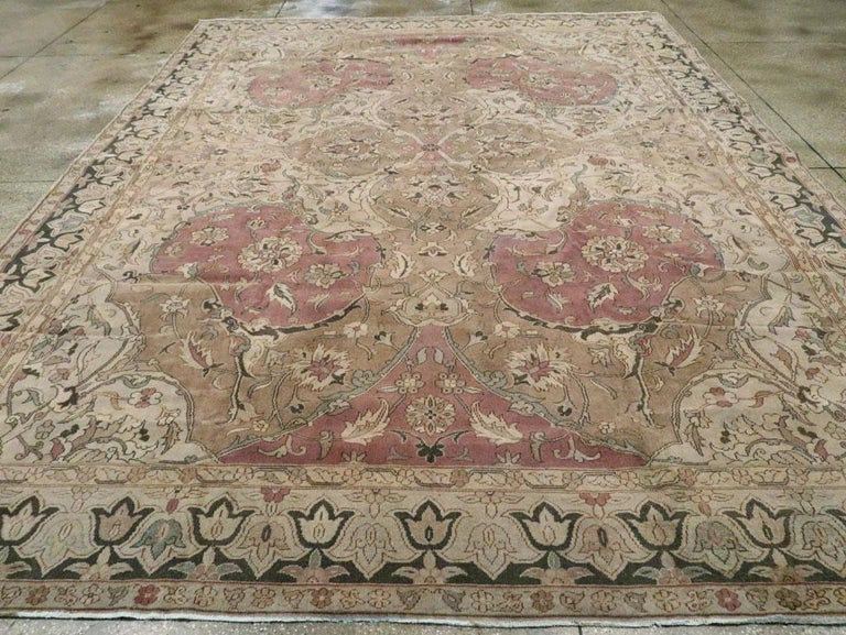 Mid-20th Century Handmade Indian Lahore Room Size Carpet, circa 1930 In Good Condition For Sale In New York, NY