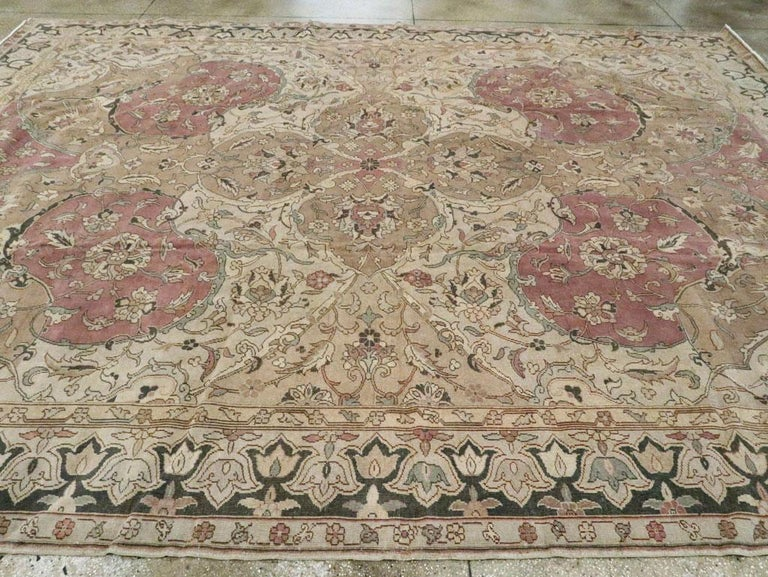 Mid-20th Century Handmade Indian Lahore Room Size Carpet, circa 1930 For Sale 1