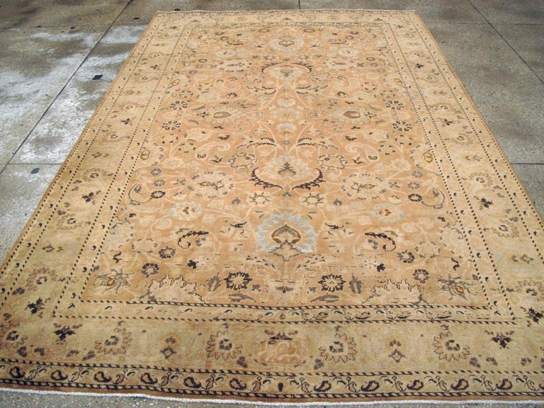 Mid-20th Century Handmade Persian Mashad Room Size Accent Rug In Good Condition For Sale In New York, NY
