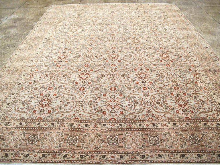 Mid-20th Century Handmade Persian Tabriz Room Size Carpet In Good Condition For Sale In New York, NY