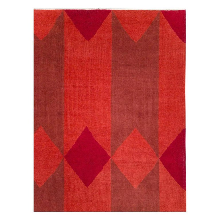 Mid-20th Century Handmade Red Turkish Art Deco Large Room Size Carpet In Good Condition For Sale In New York, NY