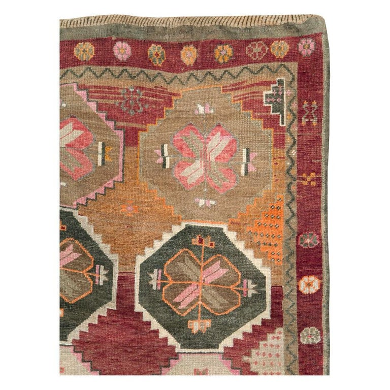 Hand-Knotted Mid-20th Century Handmade Turkish Anatolian Room Size Gallery Carpet For Sale
