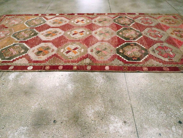 Mid-20th Century Handmade Turkish Anatolian Room Size Gallery Carpet For Sale 1