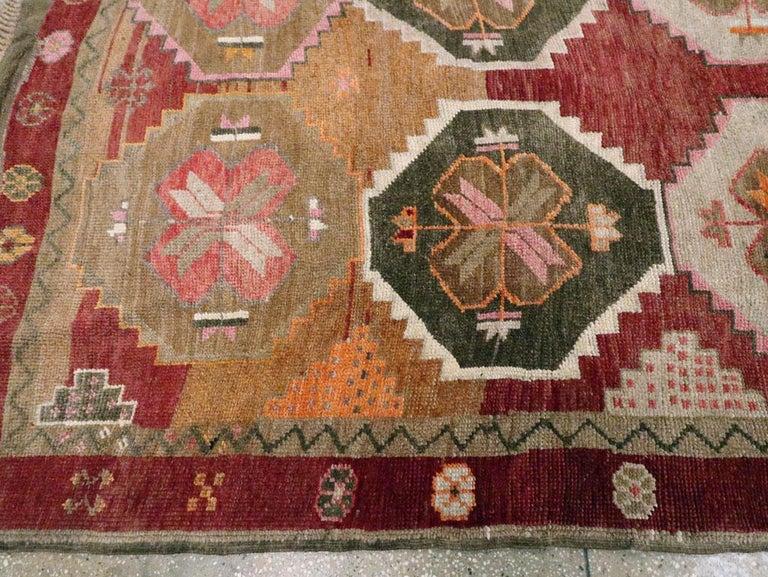Mid-20th Century Handmade Turkish Anatolian Room Size Gallery Carpet For Sale 2