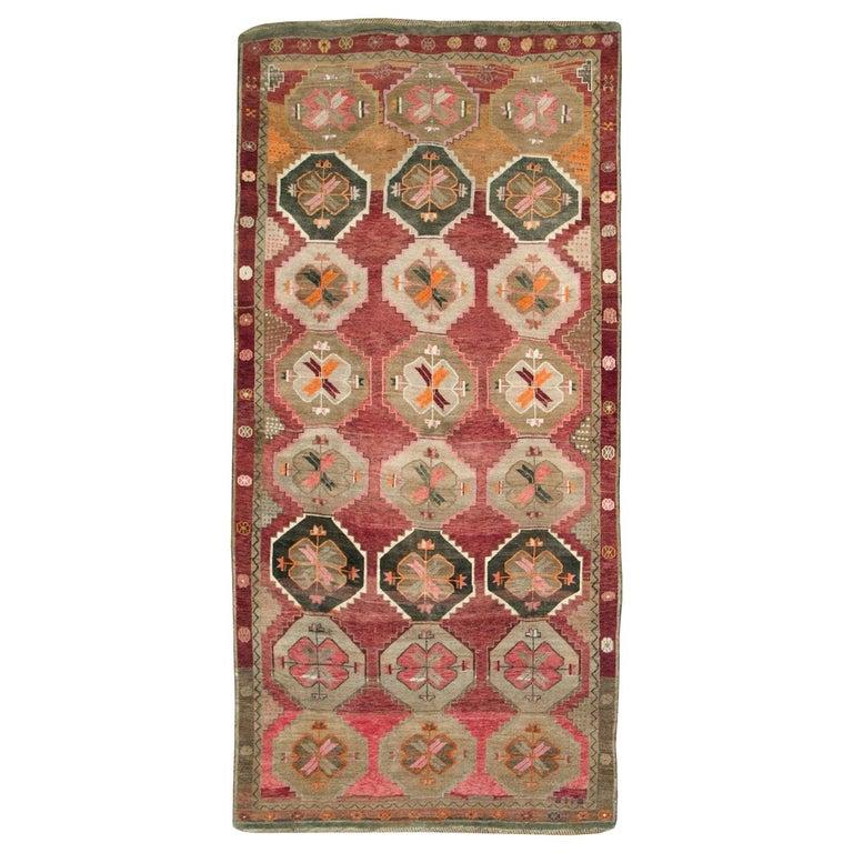 Mid-20th Century Handmade Turkish Anatolian Room Size Gallery Carpet For Sale