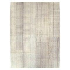 Mid-20th Century Handmade Turkish Flatweave Kilim Room Size Carpet in Bone White