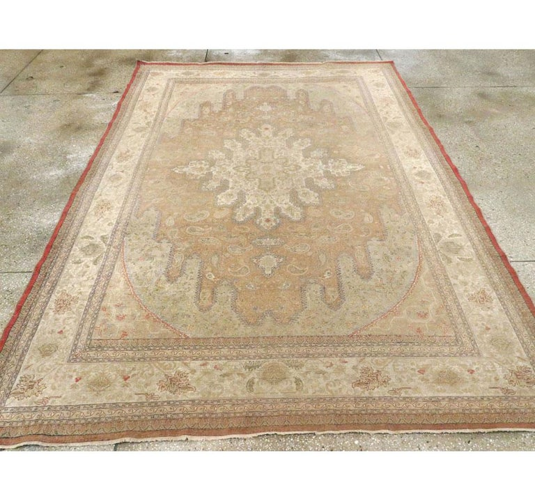 Mid-20th Century Handmade Turkish Sivas Accent Rug In Good Condition For Sale In New York, NY