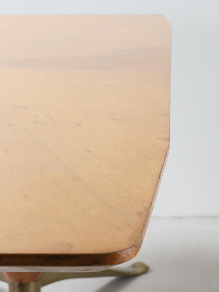 Mid-20th Century Honey Coloured Starburst Pattern Dining Table with Brass Feet For Sale 5
