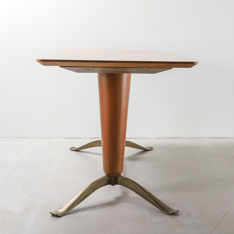 Mid-Century Modern Mid-20th Century Honey Coloured Starburst Pattern Dining Table with Brass Feet For Sale