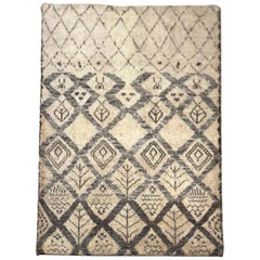 Mid-20th Century Indian Hand Knotted Wool Rug in Beige and Grey Colors