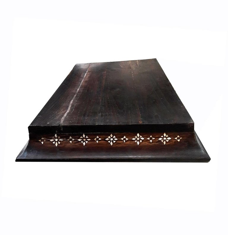 Mid-20th Century Inlaid Teak Tray from India In Good Condition For Sale In New York, NY