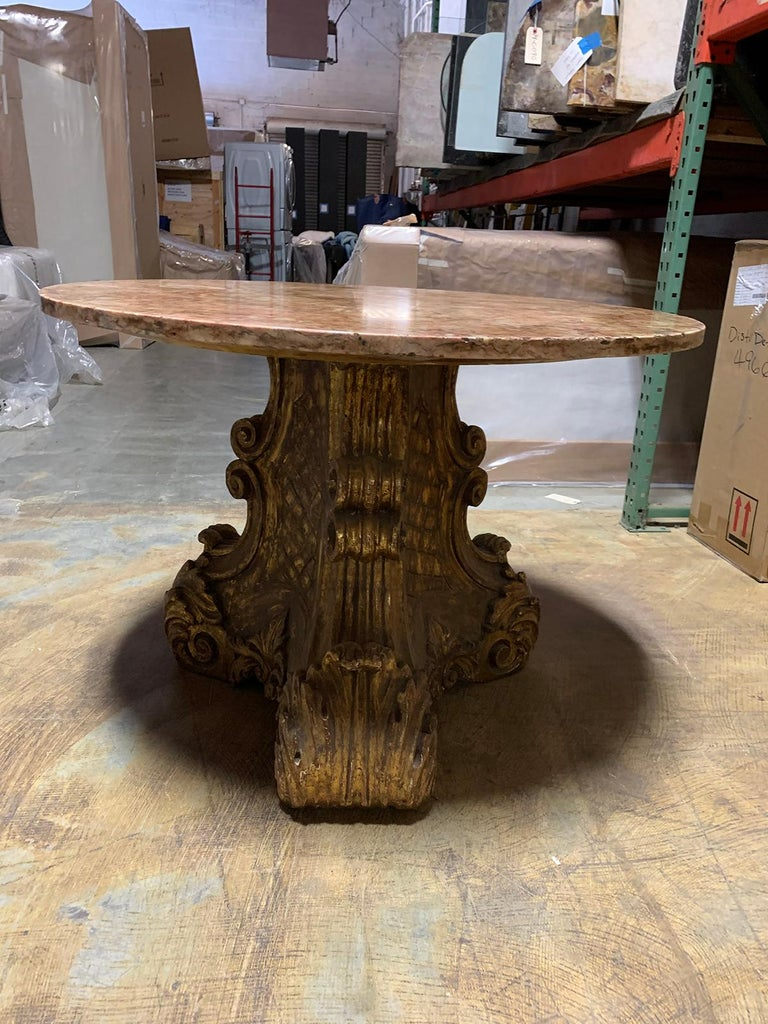 Mid-20th Century Italian Carved Giltwood Pedestal Table with Marble Top For Sale 5