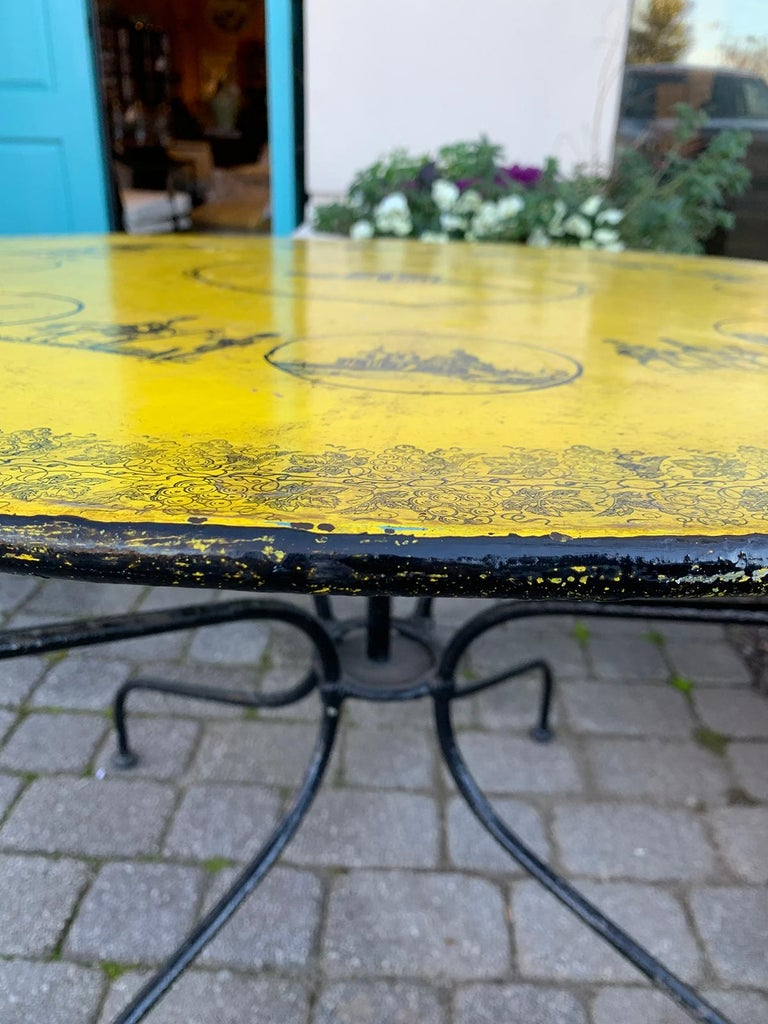 Tôle Mid-20th Century Italian Neoclassical Style Round Tole Table For Sale