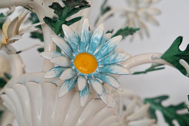 Floraler Kronleuchter aus bemaltem Eisen und Feinblech, Italien, Mitte des 20. Jahrhunderts 18