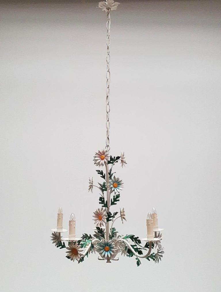 Floraler Kronleuchter aus bemaltem Eisen und Feinblech, Italien, Mitte des 20. Jahrhunderts 4