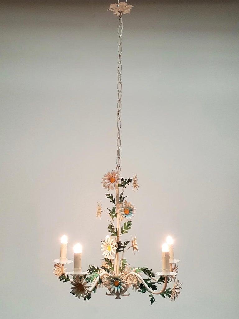 Floraler Kronleuchter aus bemaltem Eisen und Feinblech, Italien, Mitte des 20. Jahrhunderts 5