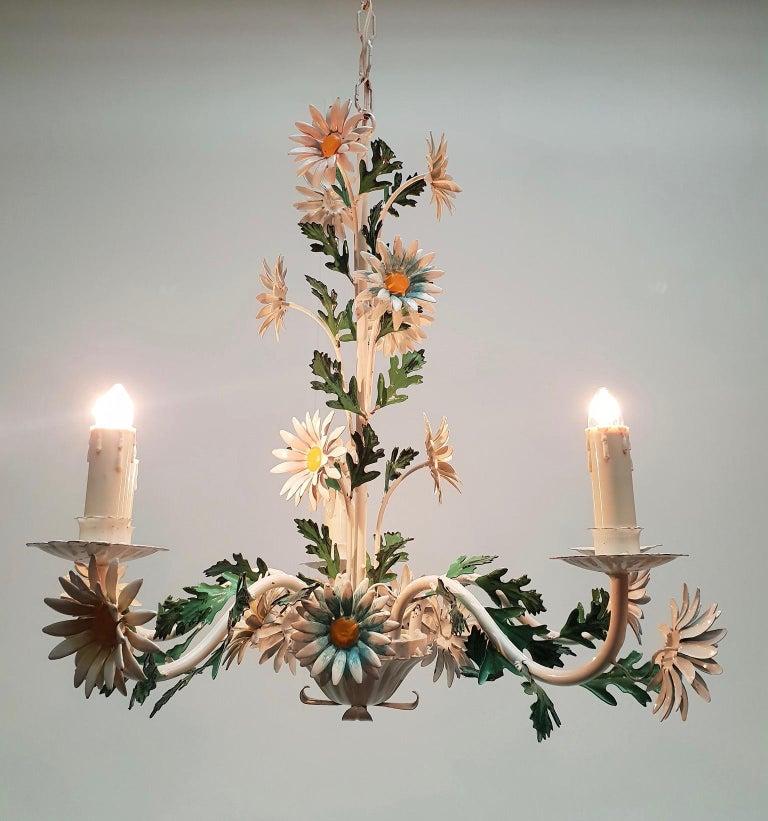 Floraler Kronleuchter aus bemaltem Eisen und Feinblech, Italien, Mitte des 20. Jahrhunderts 7