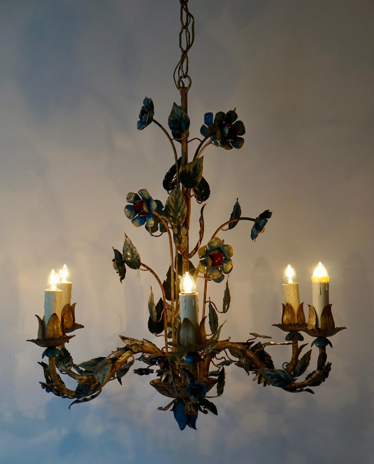 Mid-20th Century Italian Painted Iron and Tole Chandelier with Flowers For Sale 4
