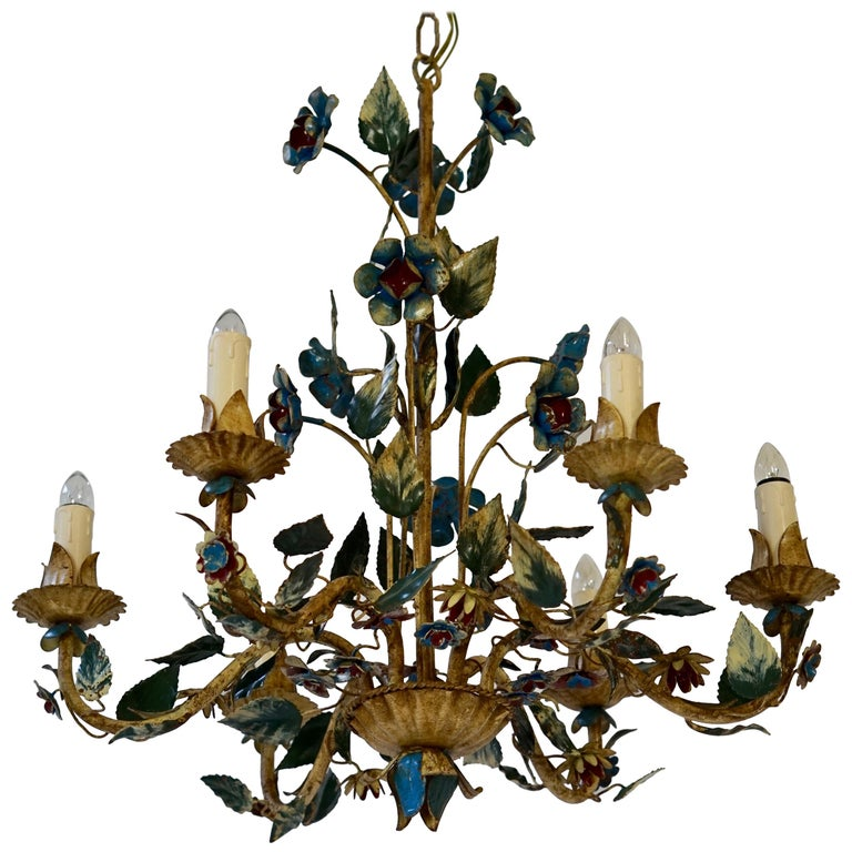 Mid-20th Century Italian Painted Iron and Tole Chandelier with Flowers For Sale