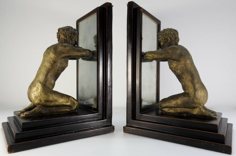 Mid-20th Century Kneeling Men on Wooden Bookends with Mirrors In Good Condition For Sale In Cookeville, TN