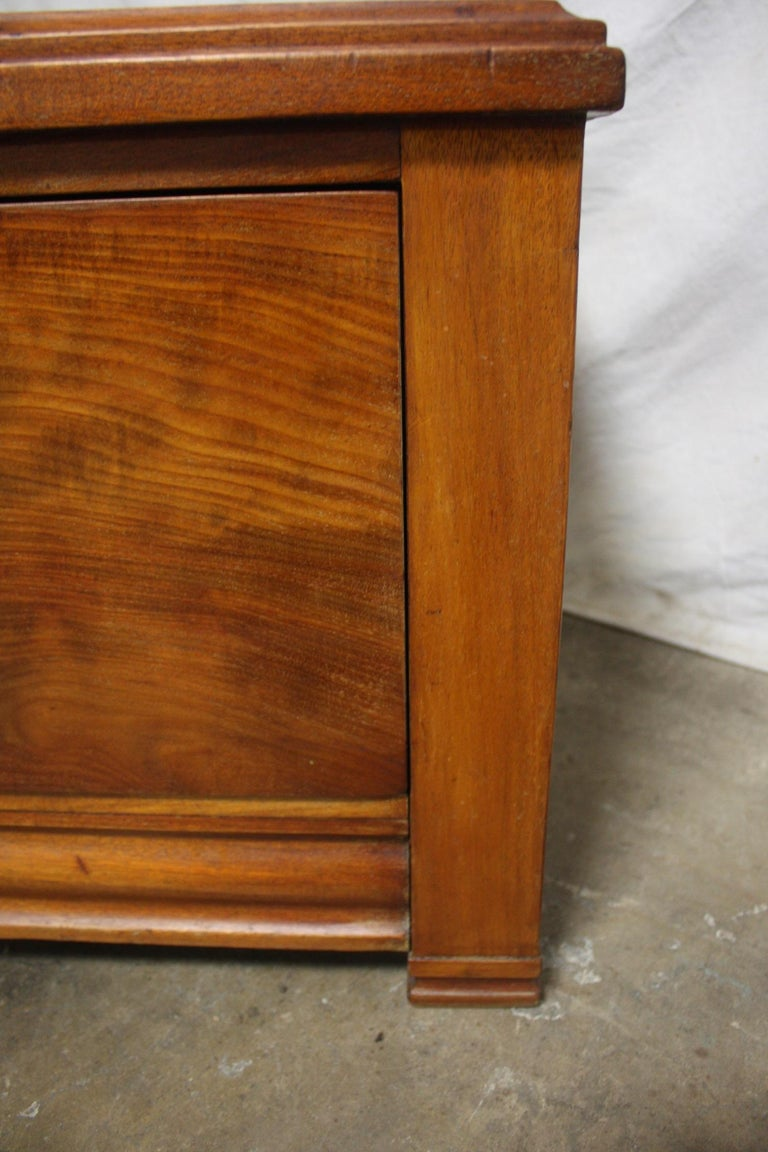 Mid-20th Century Low Table Cabinet For Sale 6