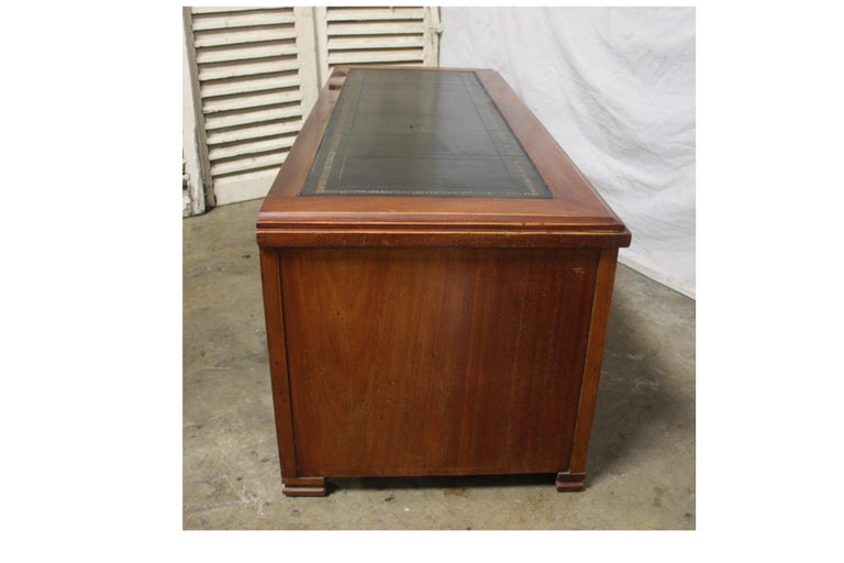 Mid-20th Century Low Table Cabinet For Sale 1