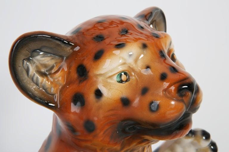 Mid 20th Century Medium Ceramic Leopard Decorative Sculpture, Italy, 1960s For Sale 9