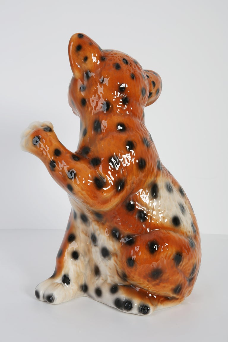 Mid 20th Century Medium Ceramic Leopard Decorative Sculpture, Italy, 1960s For Sale 1